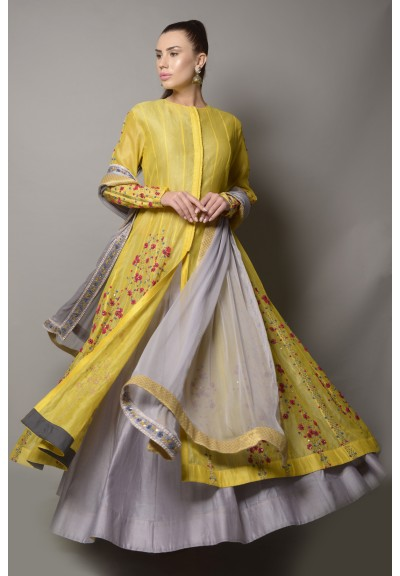 EMBROIDERED ANARKALI-JACKET WITH BLOUSE & FLARED SKIRT