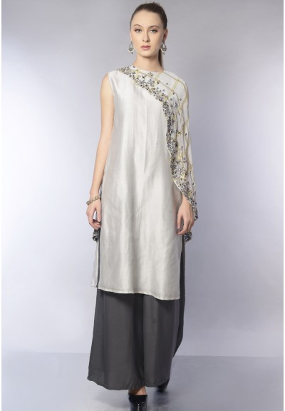 ASSYMETRIC CAPE KURTA SET