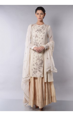 SIDE PANELED KURTA SET