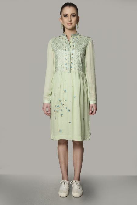 FRONT YOKE EMBROIDERED SHORT DRESS